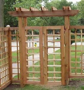 Pergola Over Gate by 17 Best Images About Craftsman Fences Amp Gates On Pinterest