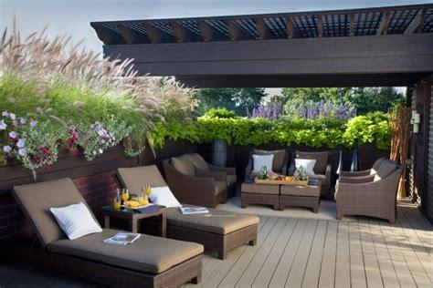 sichtschutz terrasse terrassen sichtschutz mit pflanzen neugierige blicke