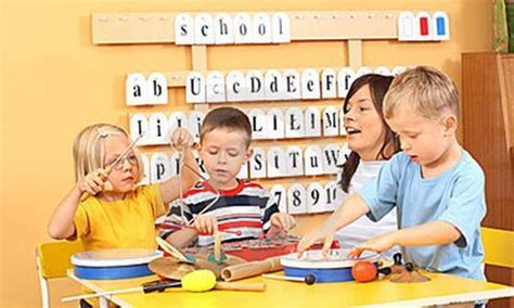 imagenes de niños jugando y aprendiendo el juego en el colegio la ense 241 anza l 250 dica