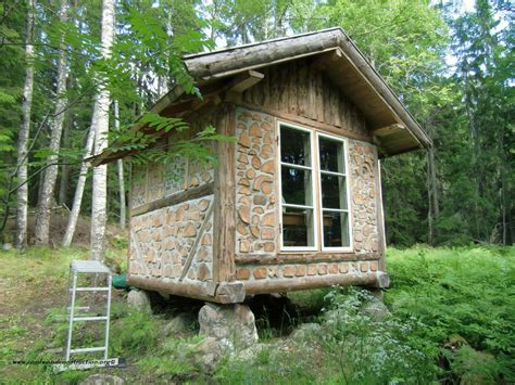Small Cabin Homes | relaxshacks com thirteen tiny dream log cabins and a