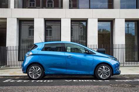renault lease hire new renault zoe priced in uk both as outright buy or