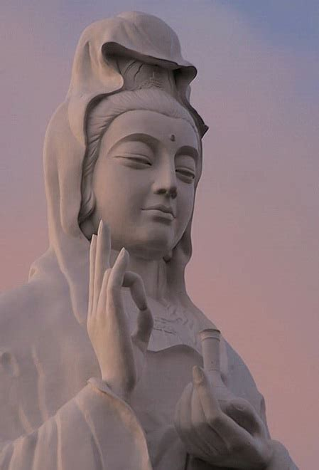 Liontin Guan Yin guanyin china s goddess of compassion and mercy tea jiaozi