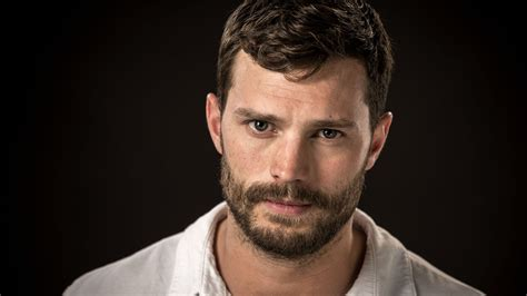 days of the fall a reporterâ s journey in the syria and iraq wars books emmy contenders chat the fall s dornan on monday