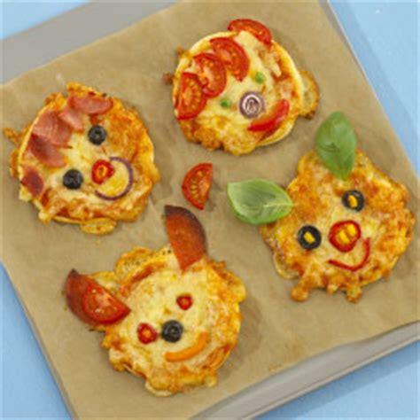 Kid Valentine Craft Ideas - animal face pizzas fun family crafts