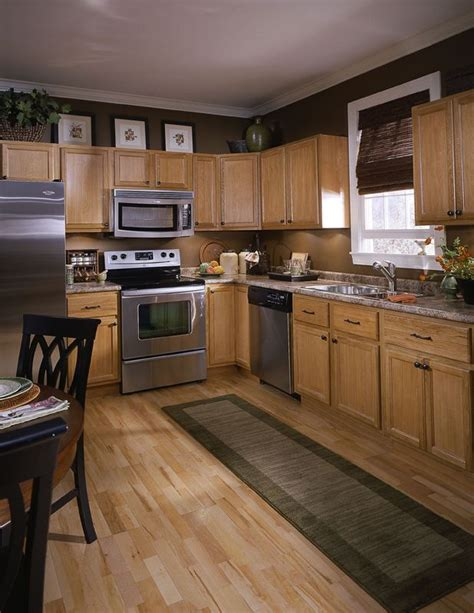 kitchen color ideas with brown cabinets best 25 brown walls kitchen ideas on pinterest brown