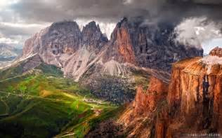 Dolomites mountain range in italy hd wallpaper ihd wallpapers