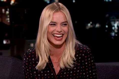 margot robbie ring margot robbie s diamond wedding ring is a stunner