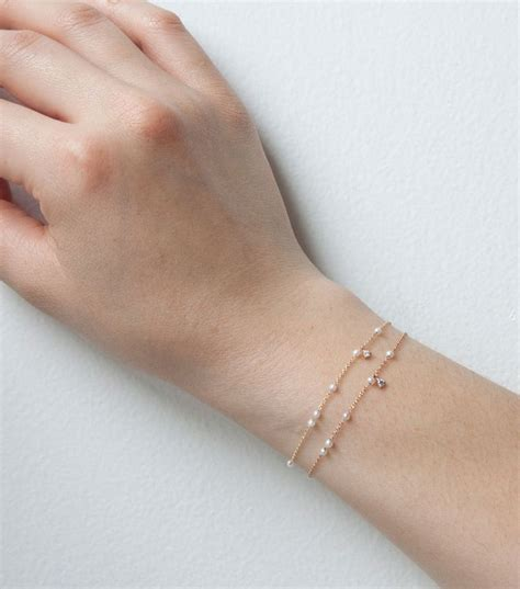 Wandschrank 30 X 30 by Dewdrop Bracelet Available In And Yellow Gold