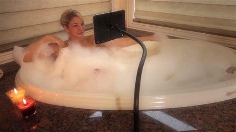 film kijken laptop vanuit bad een film kijken op je laptop het kan met the