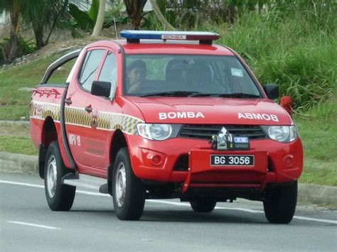 mitsubishi brunei fire engines photos mitsubishi l200 mpv19 brunei