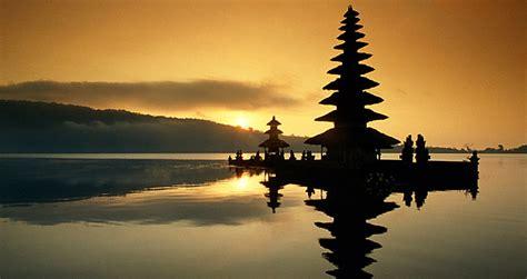 Lukisan Danau Bratan Pura Ulun Bedugul 80x60 Bali 8 baliislandexperience