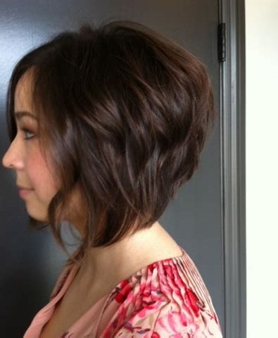 how to stlye a stacked bob with wavy hair welcome to dye by daquila specializing in balayage and