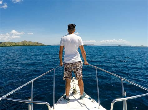 boat trip around komodo island how to plan a trip to komodo island dragons diving