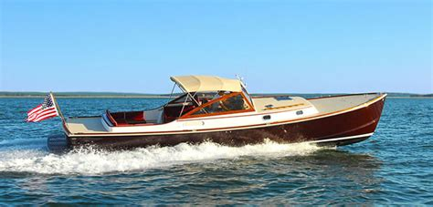 fast wooden boats wanted 40 50 foot fast 25 knots wooden motor yacht for