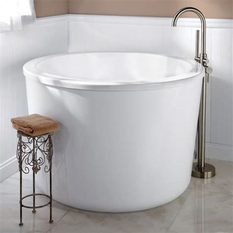 Tiny Bathtubs by Wonderful Japanese Soaking Tubs For Small Bathrooms