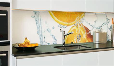 kuechenrueckwand aus glas kuechenrueckwaende glas diy glas