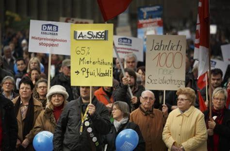 stuttgarter zeitung wohnung mieten wohnungsnot in stuttgart stra 223 enprotest gegen hohe mieten