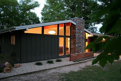 braxton and yancey mid century modern homes braxton and yancey patio culture and mid century landscaping