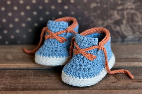 crochet boots boys crochet bootie pattern boots for baby boys booties