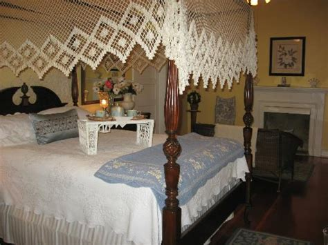 Magnolia Cottage Natchez Ms by Four Poster Bed Comfortable Size Picture