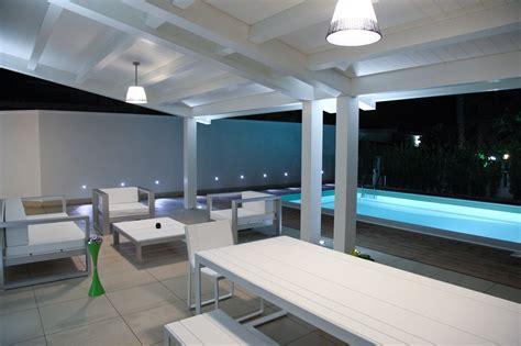 veranda in legno lamellare veranda in legno lamellare laccato per arredo zona living