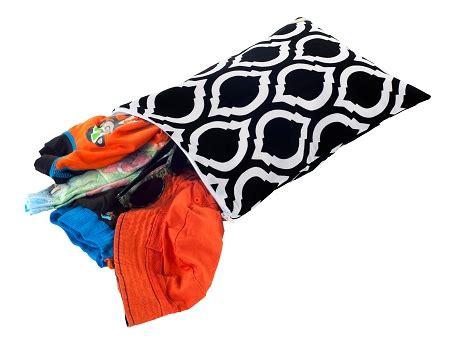 Itzy Ritzy Bag Medium Monkey Mania itzy ritzy travel happens medium sealed bag