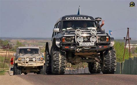 nissan safari lifted patrol godzilla 4wheelin and godzilla