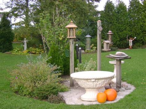 Backyard Feeders by Best 25 Bird Feeding Station Ideas Only On Feeding Birds Backyard Birds And What