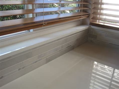 Tiled windowsill (countertop material)