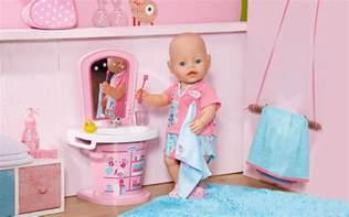 baby born bett patientin k 252 mmern der scanner verr 228 t dir ihre wehwehchen
