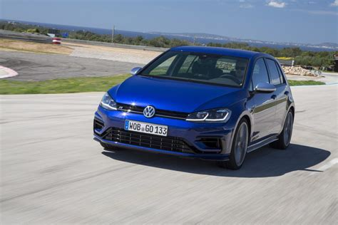 volkswagen golf r 2018 2018 volkswagen golf r gte gti and e golf review gtspirit