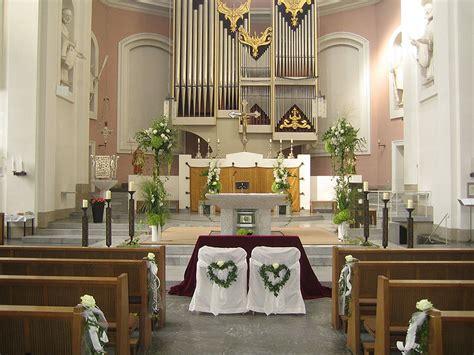 hochzeit kirche kirchenschmuck die blume