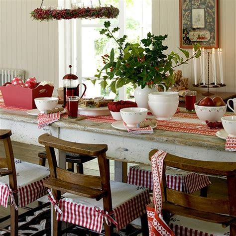 Country Dining Room Ideas Uk Classic Dining Room With Foliage