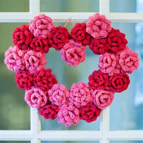 pattern for heart wreath crochet rose heart wreath pattern allcrafts free crafts