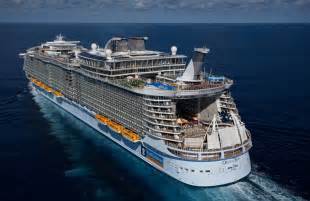 Royal Caribbean Largest Ship Biggest Ship In The World 2013 Compared To Titanic
