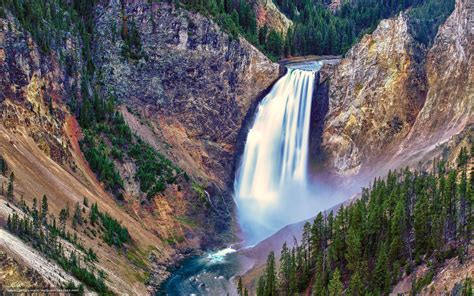 free wallpaper yellowstone national park download wallpaper lower falls yellowstone national park