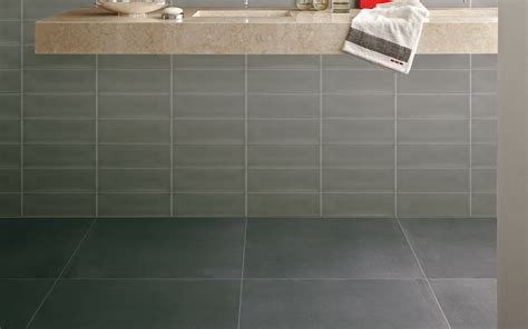 fliese 10 x 30 calx antracite floor and wall tiles iris ceramica