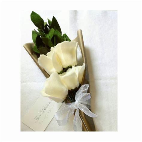 tutorial membuat buket bunga wisuda cara membuat buket bunga dari kain flanel untuk wisuda dan