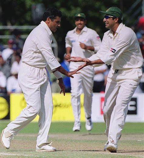 wasim akram reverse swing the art of reverse swing bowling