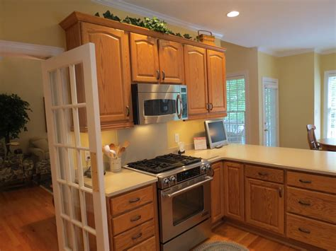 What Color To Paint Kitchen With Oak Cabinets | best kitchen paint colors with oak cabinets my kitchen