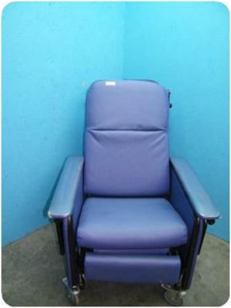 hospital recliners for sale used stryker 3110 0404 50 hospital recliner for sale