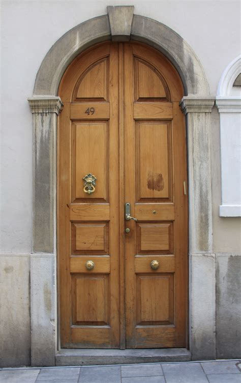 Door East by File Door Of The Great Synagogue Gibraltar Jpg