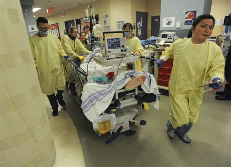 summit emergency room st paul s emergency department receives 300 patients a day and climbing