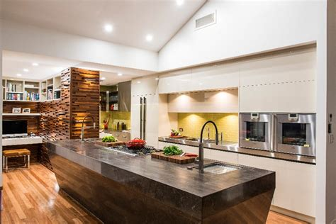 beautiful kitchen with modern touch without overwhelming