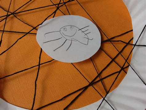 Paper Plate Spider Craft - kids craft paper plate spider web mommysavers