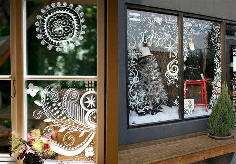 kerstdecoratie voor raam 10 bespaartips voor kerst goedkoop je huis versieren