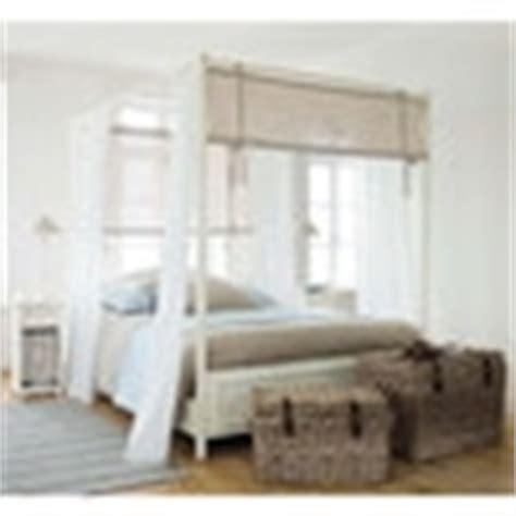 letto baldacchino legno bianco letto bianco a baldacchino 160 x 200 cm in legno manosque