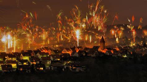 happy  years eve bing sets  fireworks google