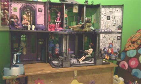 make monster high doll house monster high custom made doll house monster high photo 21491095 fanpop