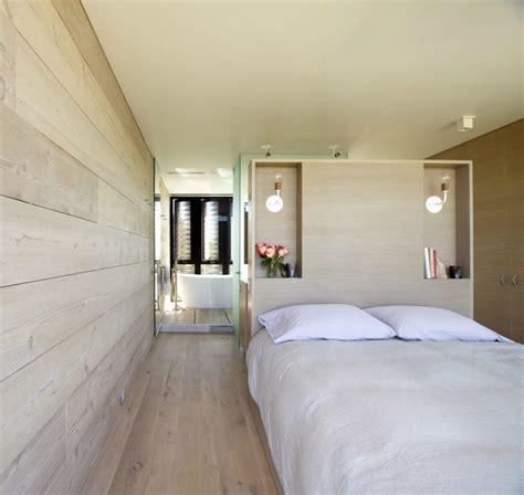chambre avec lambris bois chambre avec salle de bain s inspirer de certains des